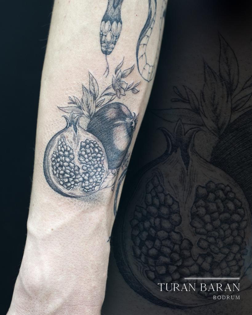 nar dövmesi pomegranate tattoo bodrum dövme